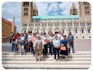 A Püspöki Palota látogatásán a pécsi nyugdíjasok
